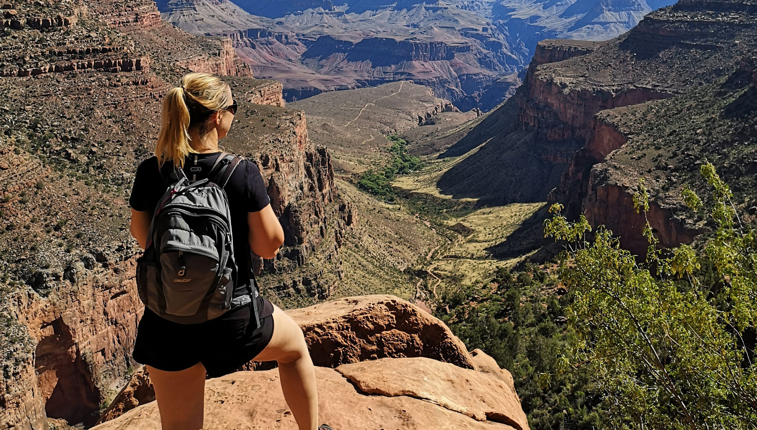 Julie dans le Grand Canyon
